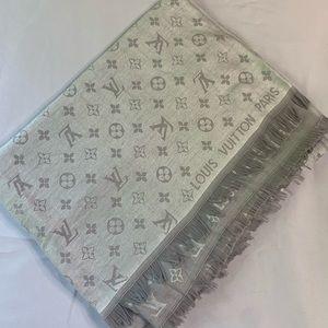 Louis v copy white grey scarf